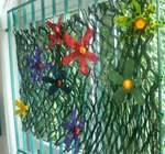 Blumenwiese aus Abfallmaterial