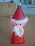 Joghurtbecher-Weihnachtsmann