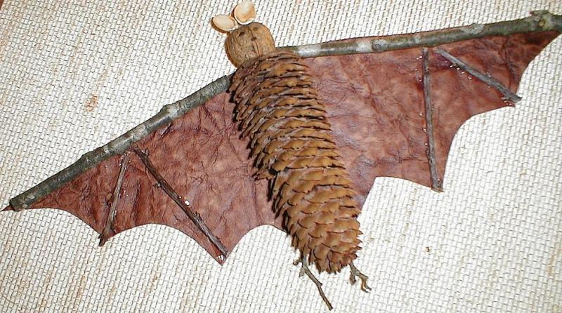 Fledermaus aus Naturmaterial