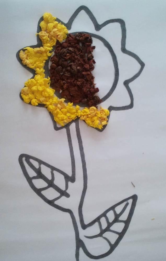 Sonnenblumen aus Krepppapier