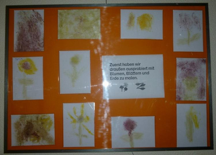 Malen mit Blättern und Blüten