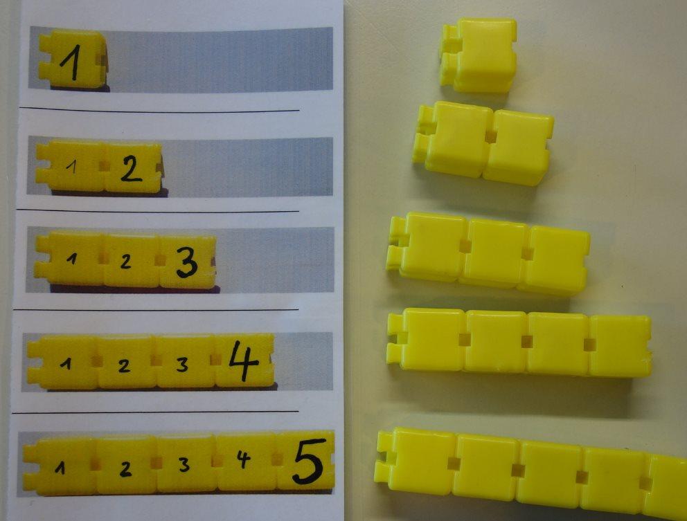 Anzahl-Ziffer-Zuordnung bis 5 durch Türmebauen